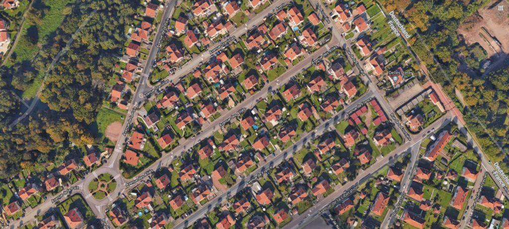 Lotissement avec maisons identiques